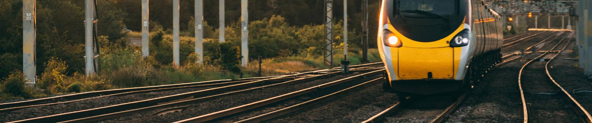 Train at sunset 1920x400